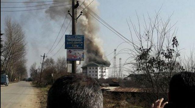 जम्मू कश्मीर एनकाउंटर : दो कमांडो हुए शहीद