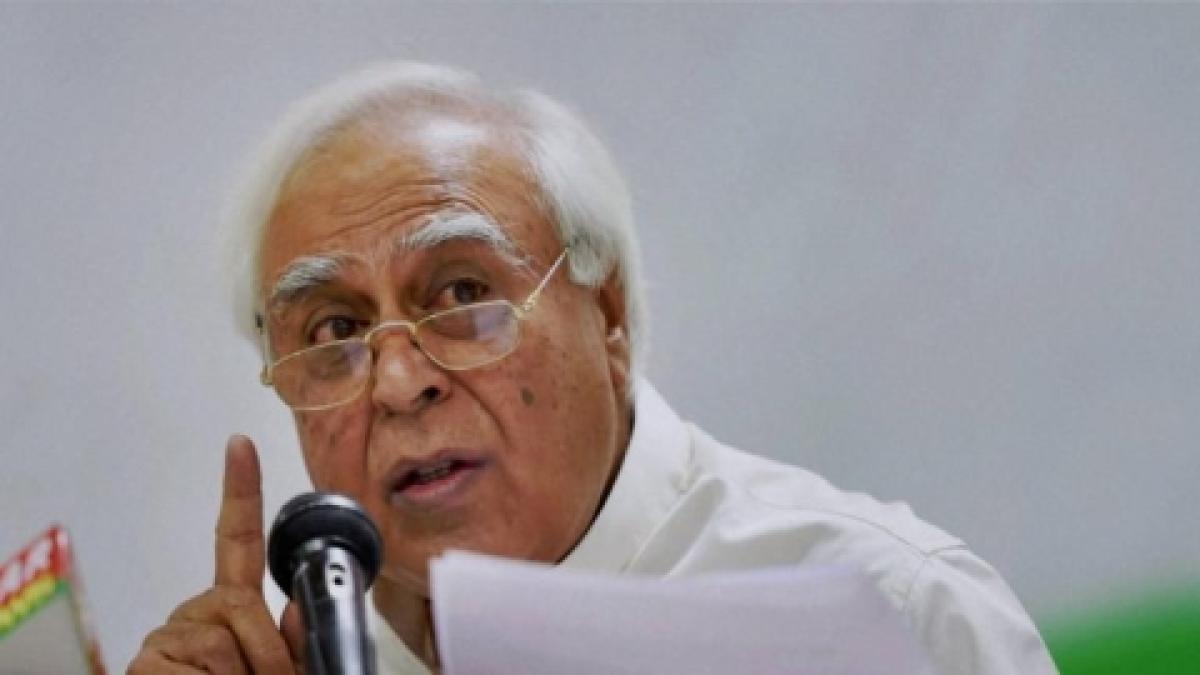 Congress rakes up 'Yeddyurappa diary', wants Lokpal probe