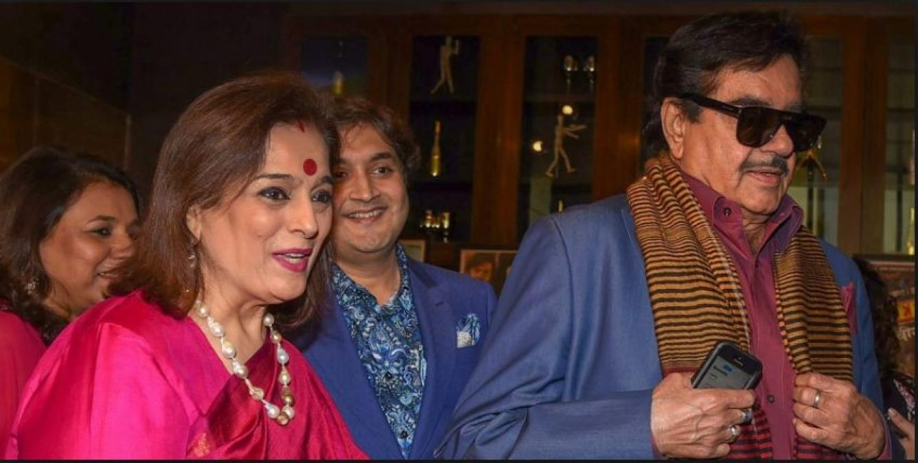 Shatrughan Sinha's wife Poonam Sinha joined the Samajwadi Party; likely to contest from this seat