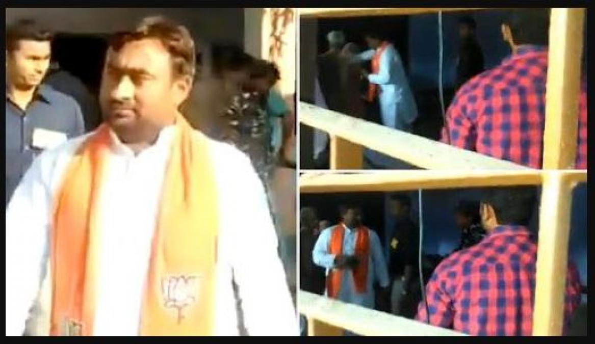 Touching feet of Voter by Bulandshahr BJP Candidate, EC ordered house arrested