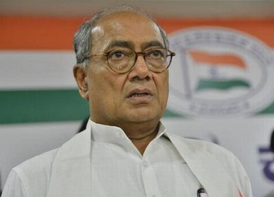 Digvijaya Singh mocks leadership of his own party, says Congress did not focus much on education