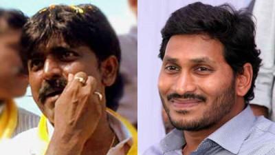 TDP MLC Btech Ravi gets into Amravati Movement