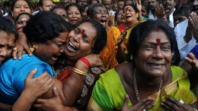 Karunanidhi is no more: India get burst into tears, Tamil Nadu declares public holiday