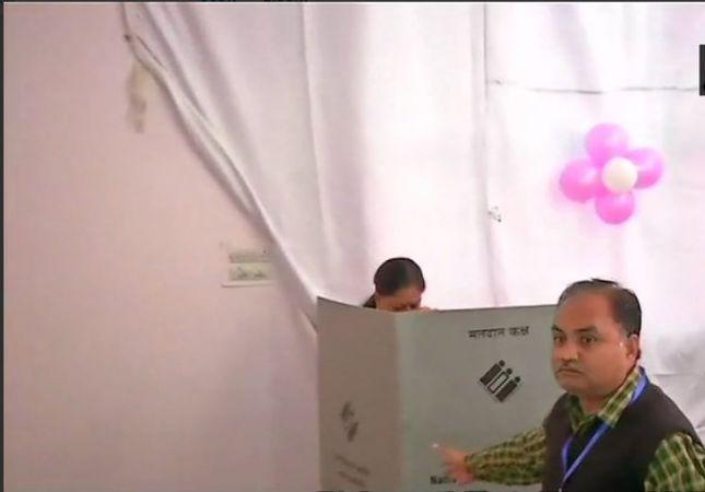 Rajasthan Assembly polls 2018: CM Vasundhara Raje casts her vote