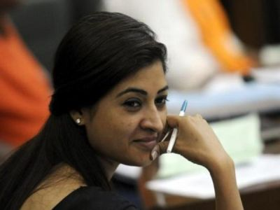 After Delhi Assembly erupts controversy over stripping of Rajiv Gandhi's Bharat Ratna, AAP seeks MLA Alka Lamba's resignation