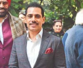 Robert Vadra 's facebook post gives a hint of joining him politics