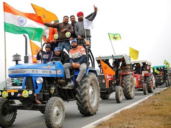 गणतंत्र दिवस पर ट्रैक्टर रैली: दिल्ली पुलिस और किसान यूनियनों के बीच बैठक जारी