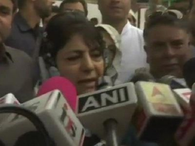 Mehbooba Mufti warns: If  Delhi tries to break PDP then outcome would be dangerous