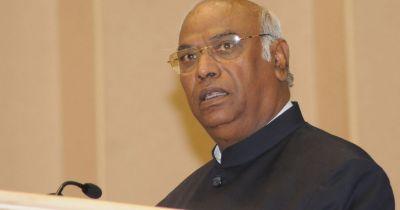 Mallikarjun Kharge advised Karnataka CM to be courageous: Congress-Janata Dal coalition