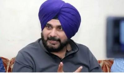 Punjab: Congress' dalit leaders meet Navjot Singh Sidhu, focus pending issues