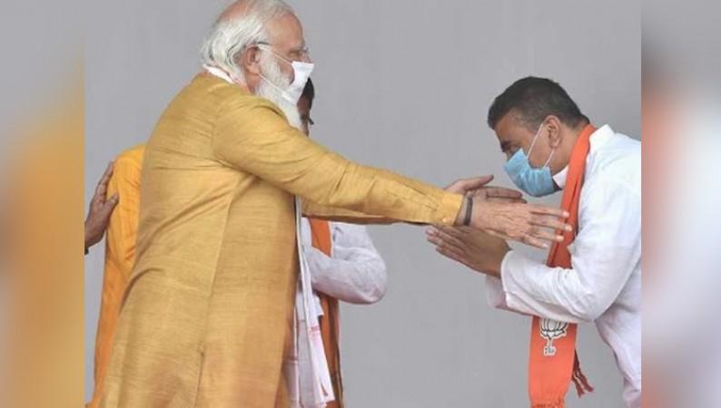 पश्चिम बंगाल के भाजपा विधायक सुवेंदू अधिकारी ने दिल्ली में पीएम मोदी से मुलाकात की