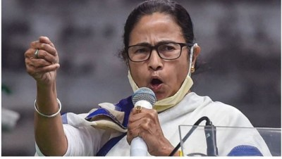 Mamata condemns attack on Twitter, says govt trying to control everyone they can't manage