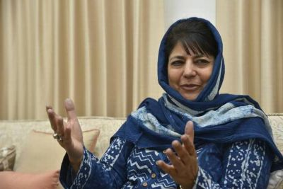 'Acted like a statesman' Mehbooba lauds Imran Khan for offering to release IAF Pilot