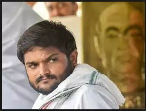 Patidar quota agitation leader Hardik Patel hit a bike rider with SUV in highway