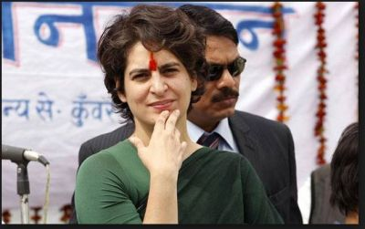 Priyanka Gandhi unique Gesture of delivering speech pointed out on Twitter…see what it is