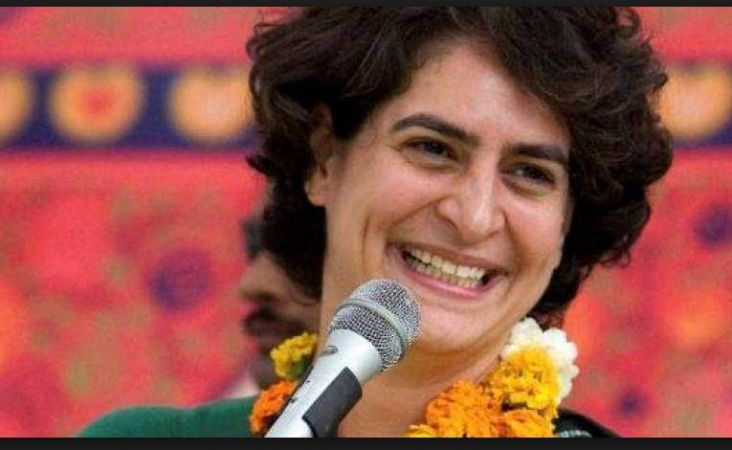 Priyanka Gandhi will visit UP today to review the LS poll preparations
