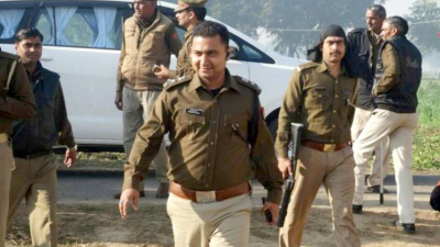 IPS officer suspended from the job for posting tweet against CM Yogi