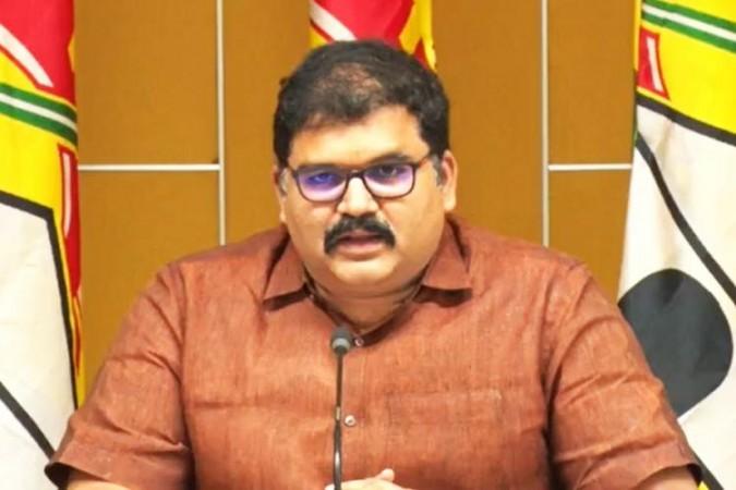 टीडीपी के राष्ट्रीय अधिकारी प्रवक्ता के पट्टाभि राम ने डेयरी घोटाले को लेकर एपी सरकार पर लगाया आरोप