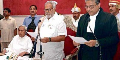 Odisha Governor welcomes Naveen Patnaik to form Government