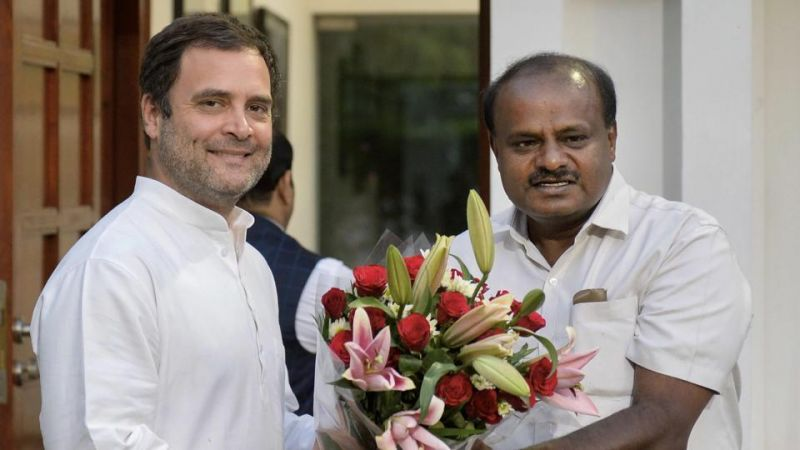 Karnataka  Tussle : Congress gives