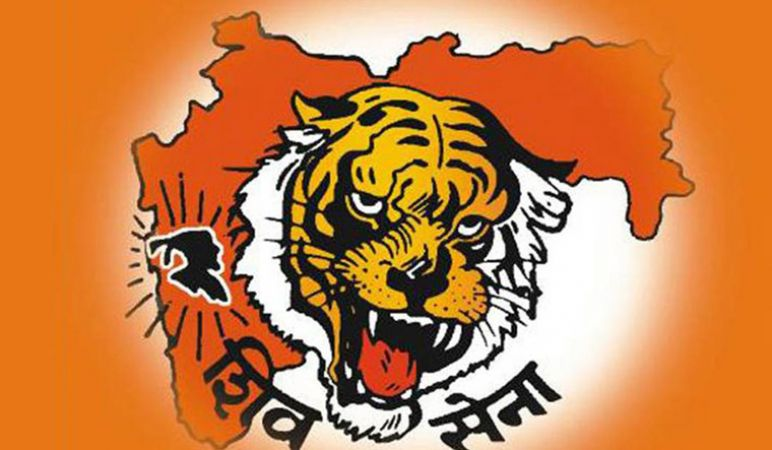 Shiv Sena follows Namechangers row, demands change in names of Aurangabad and Osmanabad