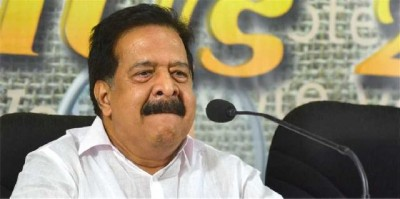 Kerala Bar bribery case: CM's permission for vigilance enquiry on Chennithala