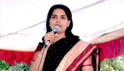 Gujarat Congress spokesperson Rekhaben Chaudhary quits party