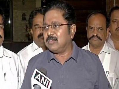 TN Assembly Speaker issues notice to 19 AIADMK