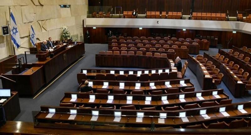 नवनिर्वाचित इजरायली सांसदों को अनिश्चितताओं के बीच दिलाई गई शपथ