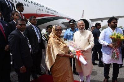 Bangladesh PM Hasina received by PM Modi in New Delhi Airport