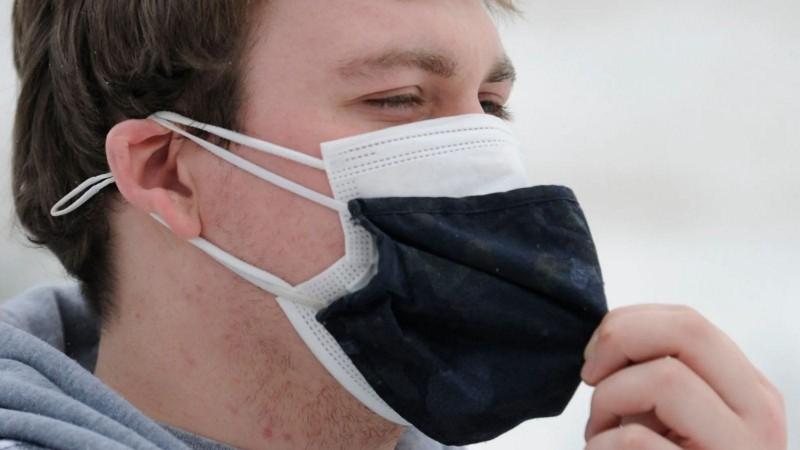 नए अध्ययन का दावा डबल मास्किंग से कम होगा कोरोना का संक्रमण