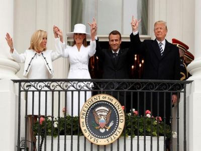 Trumps' another embarrassed hand-holding moment with his Pinky