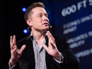 Elon Musk rewards a Tesla owner for saving a patient's life