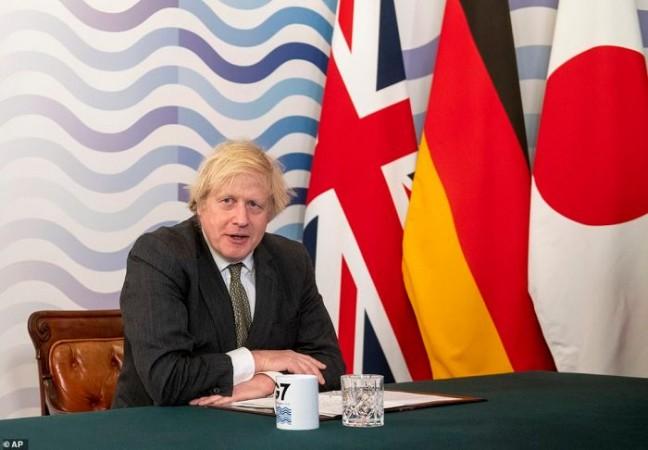 ब्रिटेन में तेजी से कम हो रहा कोरोना का प्रसार, जल्द हट सकता है लॉक डाउन