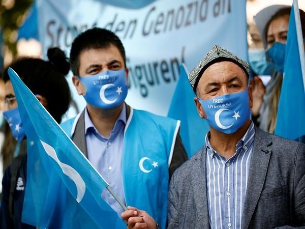 12 जापानी कंपनियों से उइग़ुर के मजबूर श्रम शामिल व्यापार सौदों को बंद करने का लिया फैसला