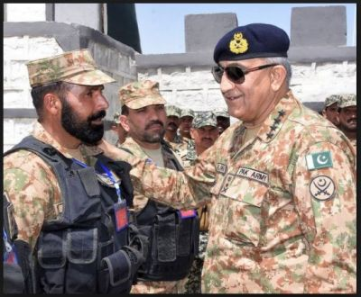 Pakistan Army Chief visited troops at the LoC in PoK, ordered them to be prepared to face any situation