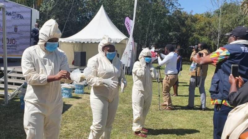 जिम्बाब्वे के एक और मंत्री का हुआ कोरोना से निधन