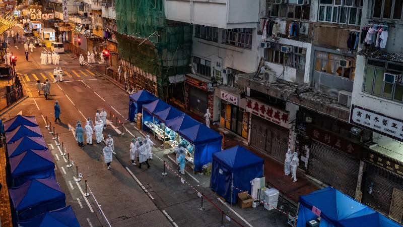 हांगकांग में हट सकता है घनी आबादी वाले क्षेत्र पर लगाया गया लॉकडाउन
