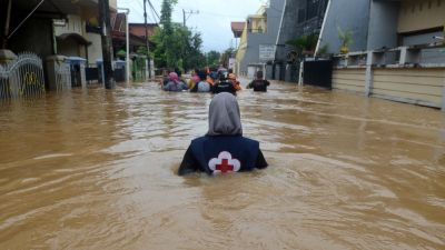 Indonesia floods, landslides: Situation gets worse, death toll climbs to 59