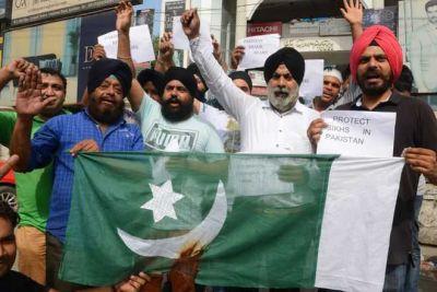 Pak's first Sikh police officer beaten, shared on Facebook