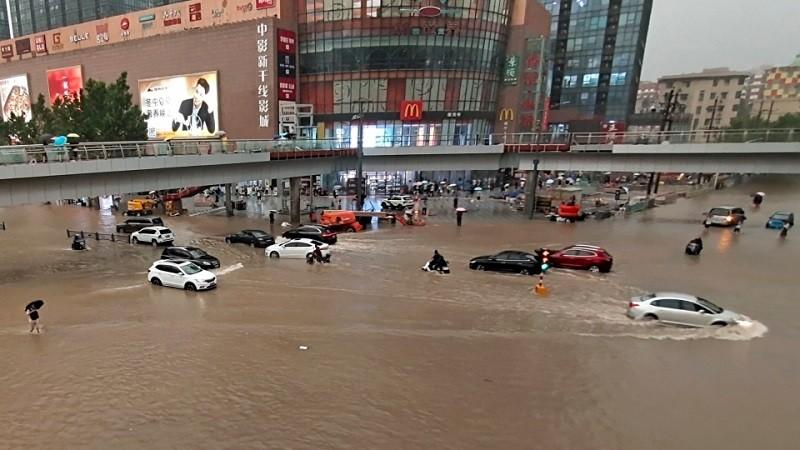 मध्य चीन में मूसलाधार बारिश बनी लोगों की जान की आफत, 12 की हुई मौत