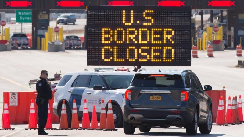 अमेरिका ने कनाडा और मैक्सिको के साथ कोरोना यात्रा प्रतिबंधों का किया विस्तार