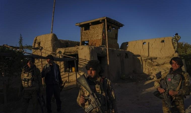पिछले 24 घंटों में संघर्ष और आतंकवादी हमले मारे गए 90 लोग