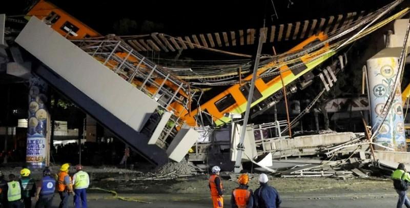 सड़क पर अचानक आ गिरा मेट्रो सिस्टम का एक हिस्सा, 23 लोगों की गई जान