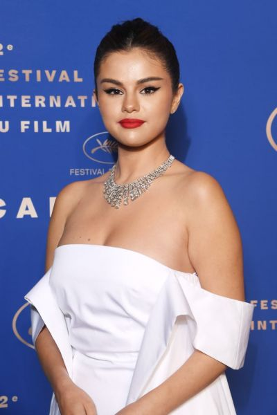 Sassy Selena Gomez makes her debut to Cannes 2019
