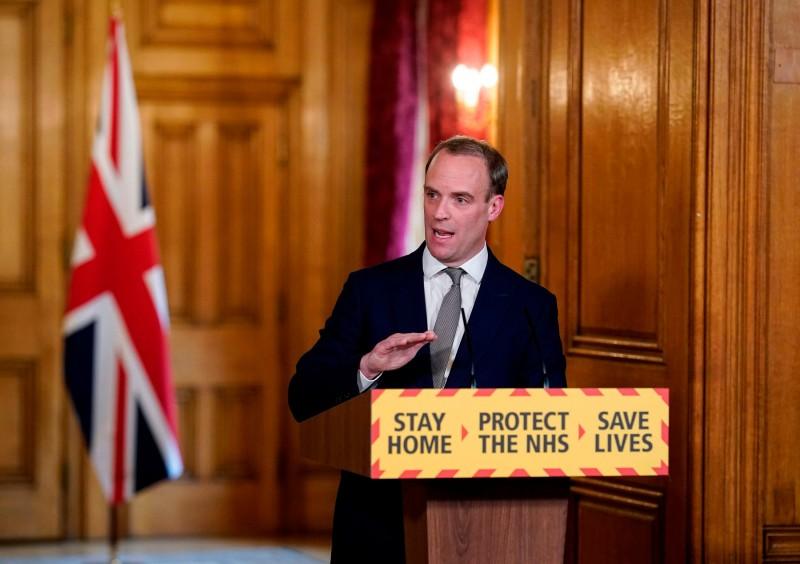 ब्रिटेन में बढ़ रहा कोरोना की तीसरी लहर का खतरा