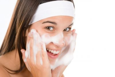 3 Tips how to pick cleansers as per your skin type