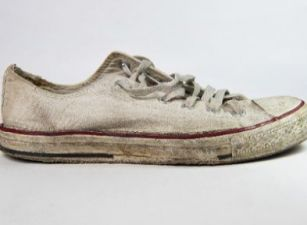The genius hack to clean your white shoe