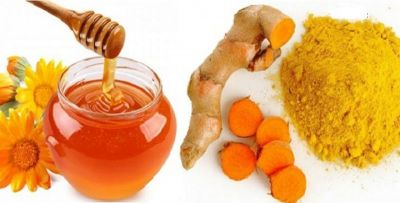 Make your skin unblemished and beautiful using honey and turmeric