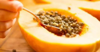 Papaya seed face pack brings natural glow on your face